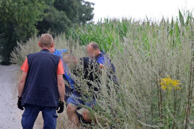 Der 24-Jährige wurde von der Polizei in einem Maisfeld gestellt und festgenommen.