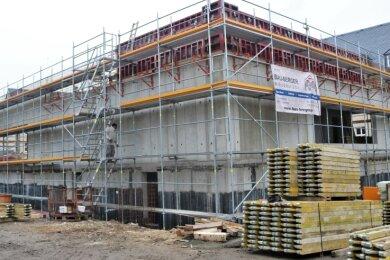 Der Rohbau des neuen Lehrschwimm- und Therapiebeckens der Dr.-Lothar-Kreyssig-Schule in Flöha ist fertig. Ende 2021 soll das Becken benutzbar sein.