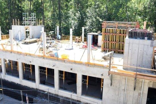 """Das neue Radonzentrum """"Wettinhaus"""": Der Rohbau nähert sich dem zweiten Obergeschoss."""
