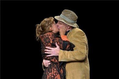 """Katka Kurze und Dirk Glodde in """"Schwanengesang"""". Das Stück hatte am Samstagabend Premiere im Schauspiel Chemnitz."""