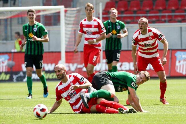 Verteidiger Nico Antonitsch gab seine Abschiedsheimvorstellung für Zwickau und ließ mit seinen Mitspielern nichts zu.