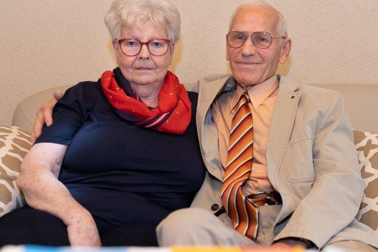 Irma und Rudi Schmidt aus dem thüringischen Mühlhausen haben ihre Diamantene Hochzeit in Annaberg-Buchholz gefeiert.