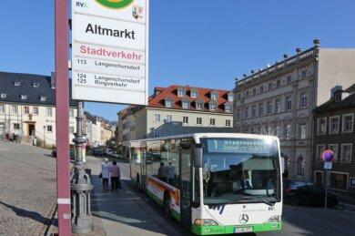 Das Auto einfach mal stehenlassen: In Hohenstein-Ernstthal hat die Verwaltung zwei Monate lang Fahrten mit dem Stadtbus kostenlos angeboten. Nun wird überlegt, das Gratisangebot auch im nächsten Sommer wieder aufleben zu lassen.