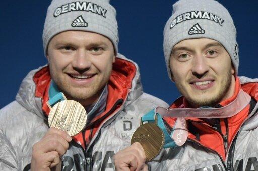 Eggert (l.) und Benecken mit der Bronzemedaille