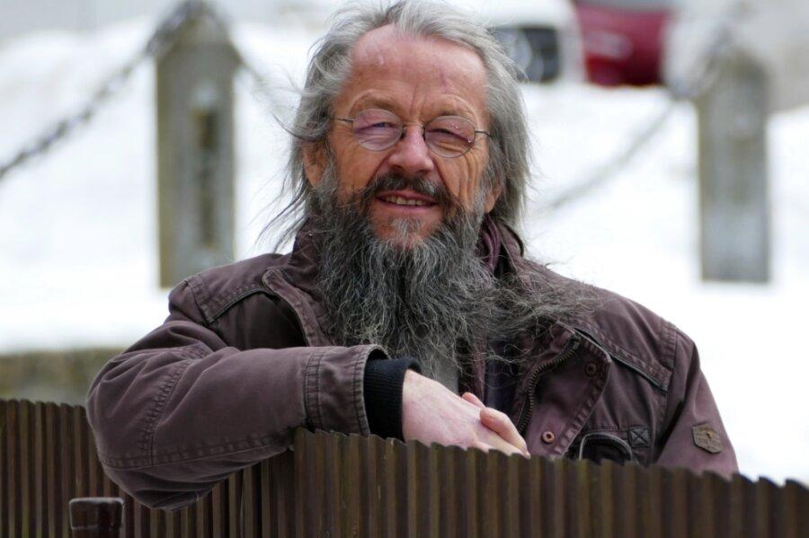 Treff am Gartenzaun: Da dem Wolkensteiner Bürgermeister Wolfram Liebing der direkte Draht zu den Menschen sehr am Herzen liegt, ergeben sich viele spontane Gespräche.
