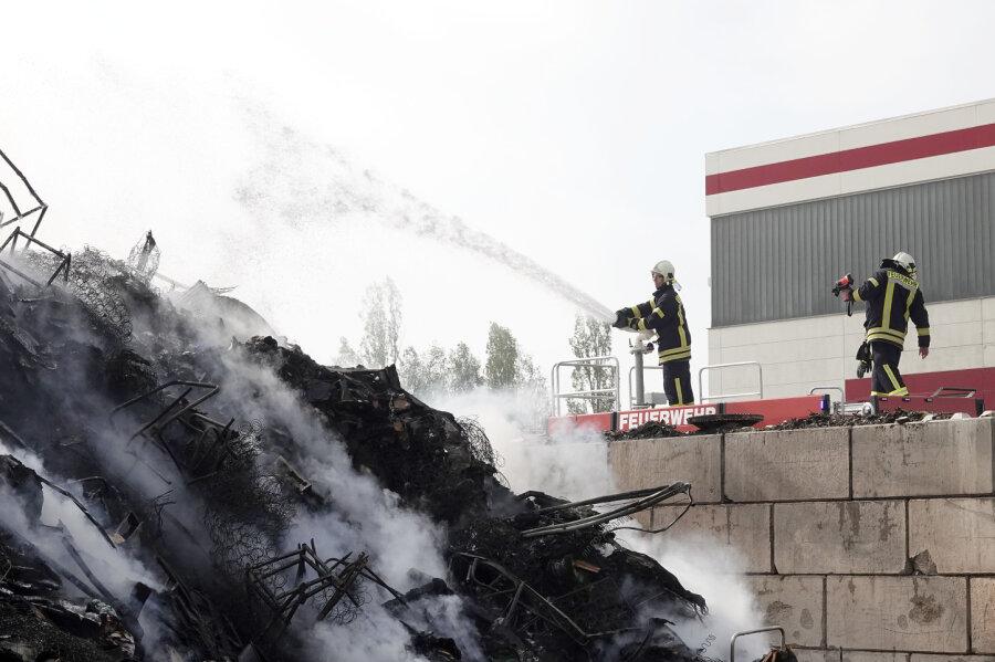 Brand in Mühlauer Entsorgungsfirma - 350.000 Euro Schaden