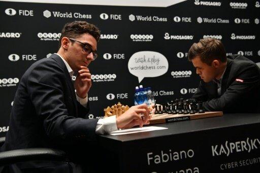 Erneut kein Sieger zwischen Caruana (l.) und Carlsen