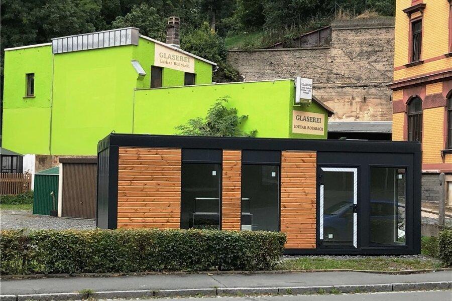 An der Grabenstraße 38 in Oelsnitz steht inzwischen ein neuer Container. Der alte wurde vom Landkreis geschlossen und abgerissen.