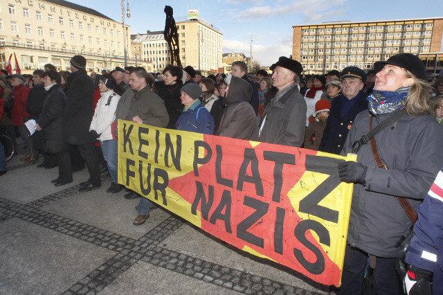 Friedenskundgebung auf dem Chemnitzer Theaterplatz.