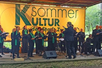 Der Gesangverein zu Langenbernsdorf gastierte am Sonntag nach zehnmonatiger Pause beim Waldparksingen in Zwickau-Weißenborn.