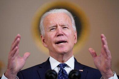 Joe Biden tritt auf als der Versöhner, der Mutmacher, der Landesvater. Laut Umfragen sind 53 Prozent der Amerikaner mit der Arbeit des neuen Präsidenten zufrieden - mehr als zu diesem Zeitpunkt vor vier Jahren mit seinem Vorgänger Donald Trump.