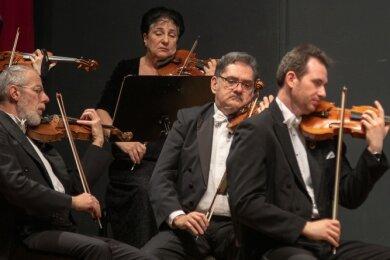 So eng wie 2019 werden die Musiker der Vogtland Philharmonie im September nicht sitzen können. Die Besucher auch nicht.