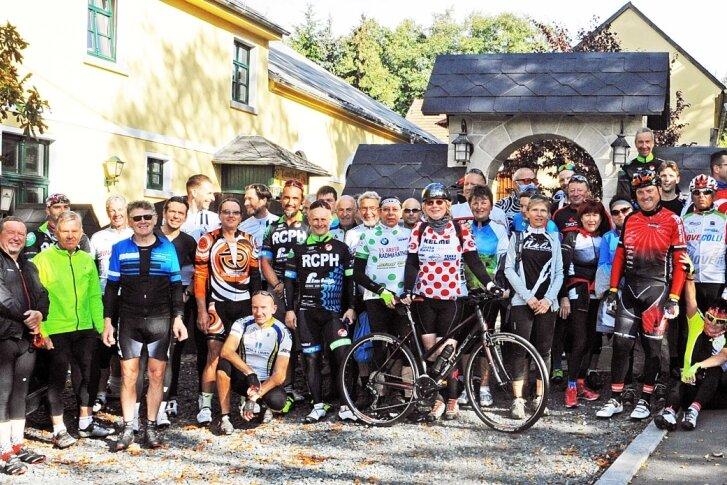 Radsportler aus dem ganzen Vogtland feiern 30 Jahre Einheit
