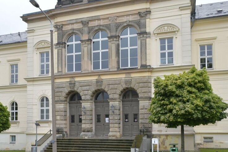 Noch werden in der Turnerstraße in Freiberg Köche, Hotelfach- und Restaurantfachleute ausgebildet, auch angehende Land- und Tierwirte. Künftig sollen hier auch Sozialassistenten und Erzieher lernen.