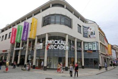 Zur Impfaktion am Freitag und Samstag in den Zwickau-Arcaden kamen deutlich mehr Menschen als zuletzt ins Impfzentrum.