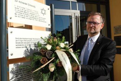 Gedenken an die Novemberpogrome von 1938 durch Oberbürgermeister Raphael Kürzinger.