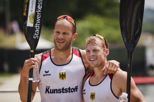 Max Hoff (l.) und Marcus Groß holen Gold im Kajak-Zweier