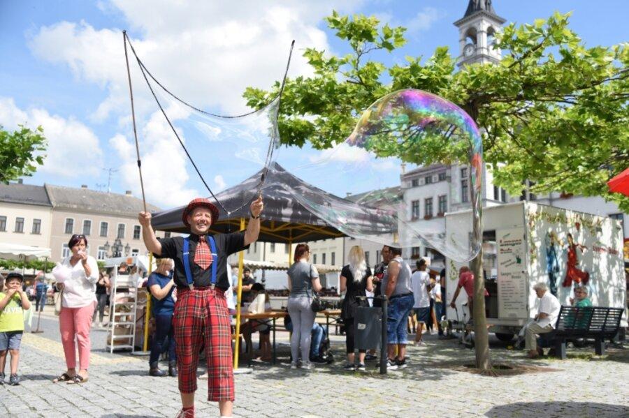 Oelsnitzer Sommermarkt bringt Leben in die Innenstadt