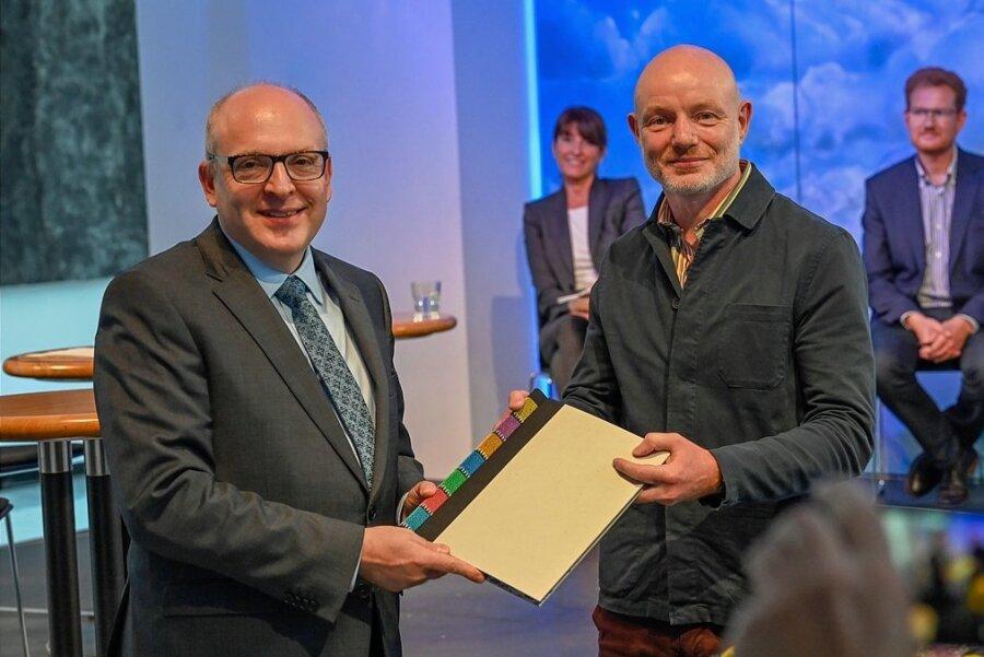 OB Sven Schulze (links) am Montag mit Stefan Schmidtke.