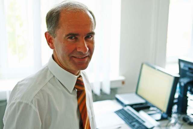 """Unser Experte beim Chat zum Thema """"Reisekasse"""": Andreas Führig von der Commerzbank."""