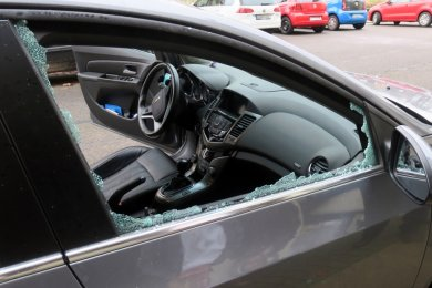 Selbst wenn nichts gestohlen wurde, sind eingeschlagene Seitenscheiben der Albtraum jedes Autofahrers.