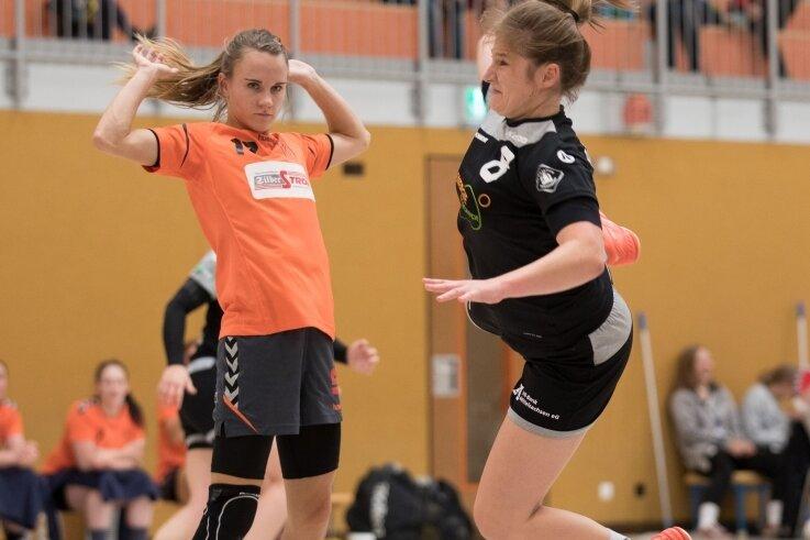 Mit viel Einsatz zurückgemeldet: Luisa Groß (r.) steuerte vier Tore zur Aufholjagd der Rotation-Damen gegen Schneeberg bei.