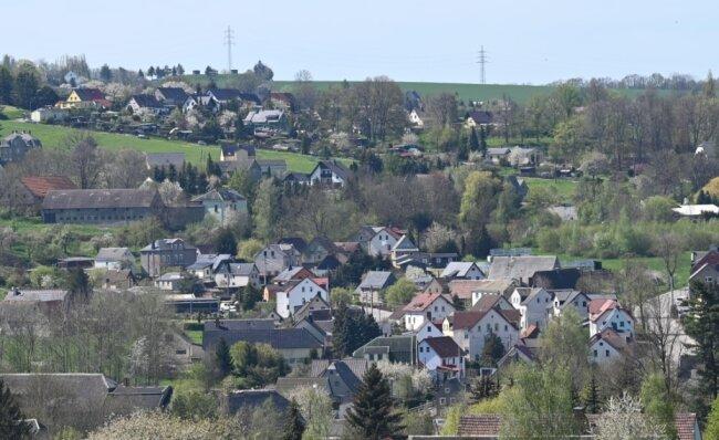 Blick auf den unteren Ortsteil von Taura. Die Gemeinde ist Teil der Verwaltungsgemeinschaft Burgstädt. Jetzt wird geprüft, ob das auch in Zukunft so bleibt oder eine Eingemeindung sinnvoller ist.