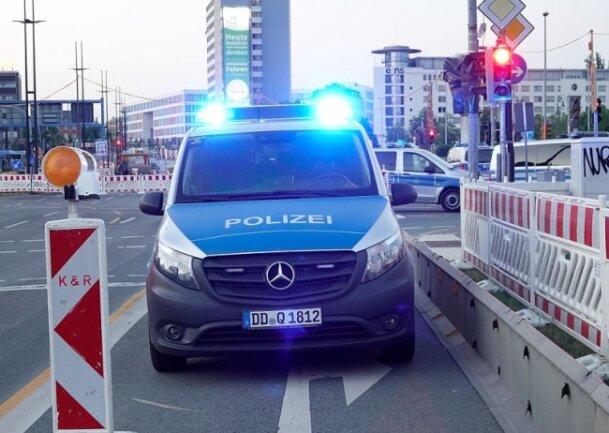 Bei einer Auseinandersetzung in der Chemnitzer Innenstadt ist ein Jugendlicher am Freitagabend verletzt worden.