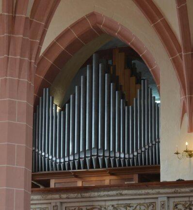 Die große Orgel in der Rochlitzer Kunigundenkirche wurde 1920 von Alfred Schmeisser erbaut. Sie hat 49 Register auf drei Manualwerken und Pedal.