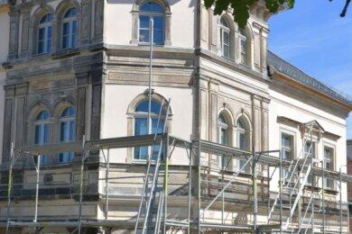 Am künftigen Silbermannmuseum in Frauenstein fielen am gestrigen Dienstag die Baugerüste.