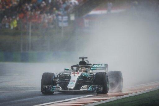 Lewis Hamilton hat den Start in Ungarn gewonnen