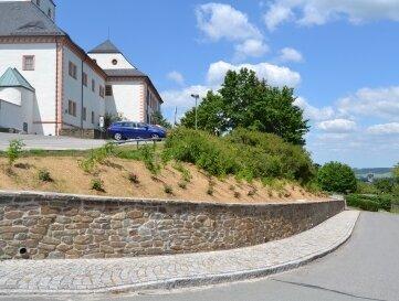 Der Rundweg zum Schloss wurde neu gestaltet.
