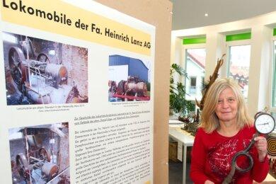 Dagmar Groß von der Denkmalbehörde der Stadt Plauen hatte jüngst beim Plauener Dampfmaschinentreffen über die Lokomobile der Firma Heinrich Lanz informiert.