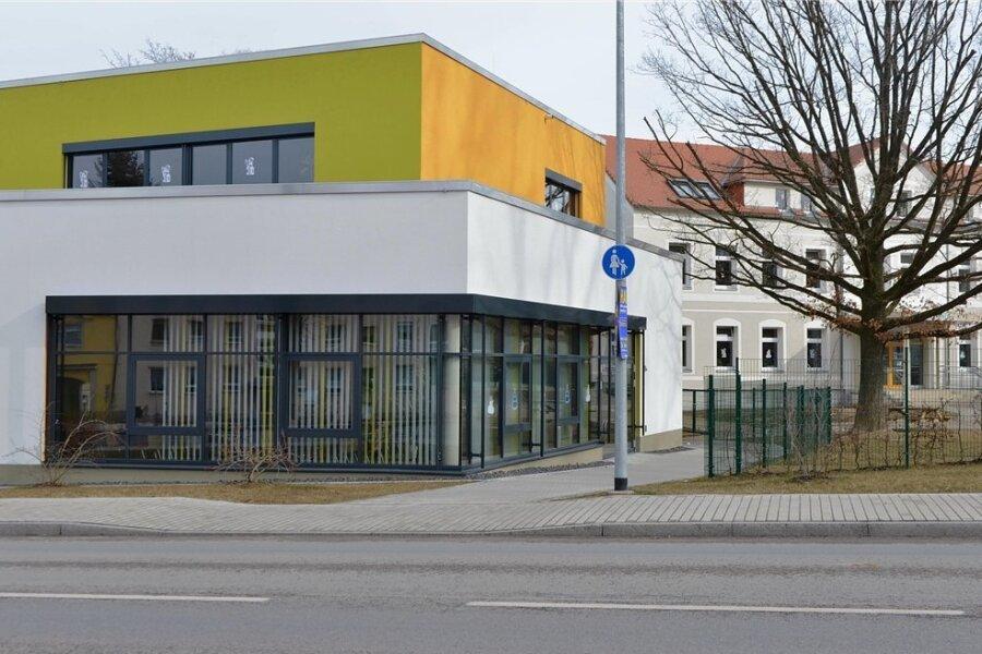 Die Grundschule Weißenborn war diese Woche wegen zahlreicher Coronainfektionen geschlossen worden. Es ist die zweite Schule in Sachsen, die seit Schuljahresbeginn wegen Infektionsgeschehen vom Kultusministerium geschlossen wurde. Foto: Eckardt Mildner/Archiv