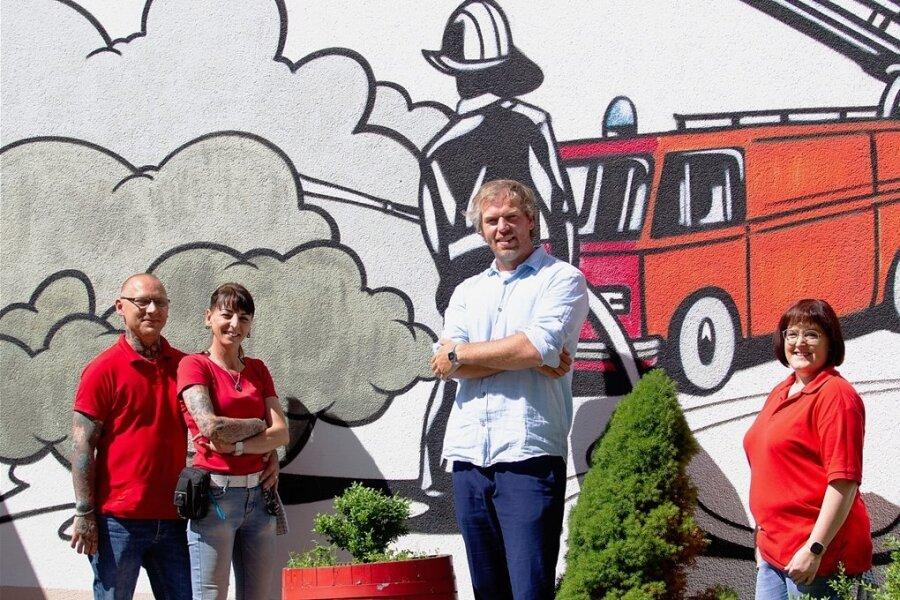 Sie sind immer zur Stelle in der Plauener Jugendherberge Alte Feuerwache: Christian Liebscher, Antje Pfeiffer, Herbergsvater Stefan Wagner und Sandra Lasch (von links).