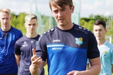 Jonas Stephan ist neuer Trainer der Chemnitzer Bundesligajunioren. Drei Einheiten hat er bereits geleitet und dabei die Spieler kennengelernt. Im August startet die Vorbereitung auf die neue Saison.