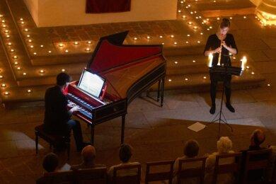 Elisabeth Beckert (Oboe) und Pascal Kaufmann (Orgel und Cembalo) spielten im zauberhaften Ambiente.
