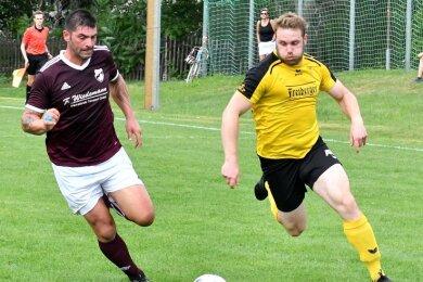Mit Volldampf in Runde 2: Der BSC um Spielertrainer Rico Thomas (r.) will am Sonntag auch Fortuna Langenau ausschalten.