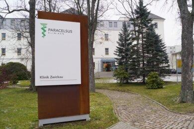 Die Paracelsus-Kliniken in Reichenbach und Zwickau haben ein Besuchsverbot ausgesprochen.