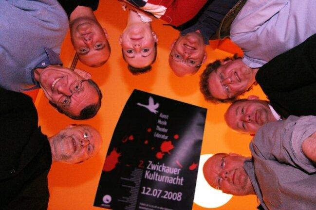 """<p class=""""artikelinhalt"""">Die Organisatoren der zweiten Zwickauer Kulturnacht 2008 von links im Uhrzeigersinn: Wilfried Stoye (Kulturamtschef der Stadt), Stephan von Randow (Theater Plauen-Zwickau), Mario Zenner (Alter Gasometer), Monique Roscher (Kultour Z.), Karsten Schlücker (La Bodeguita del Medio), Jürgen Flemming (Kultour Z.), Sven Fischer (Förderverein Stadtmanagement), Klaus Fischer (Freunde aktueller Kunst). </p>"""
