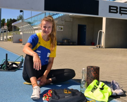 Gespannt: In 13,42 Sekunden lief die Mittweidaerin Anne Weigold vor zwei Wochen persönliche Bestleistung und auch Jahresbestleistung in Deutschland. In Braunschweig greifen nun aber die Favoritinnen ein.