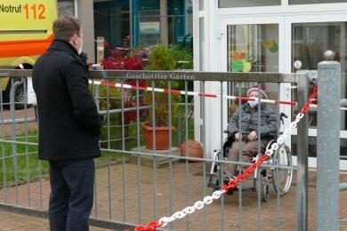 André Glöckner besuchte vorige Woche seine Oma und hofft, sie jetzt wieder regelmäßig sehen zu können.