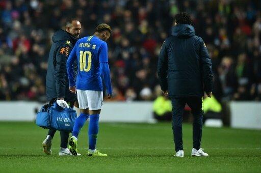 Neymar musste bereits in der Anfangsphase raus