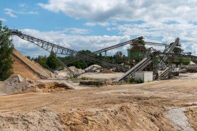 Für die Produktion im Kieswerk Penig-Elsdorf sollen neue Lagerstätten erschlossen werden. Erkundungsbohrungen sind geplant.