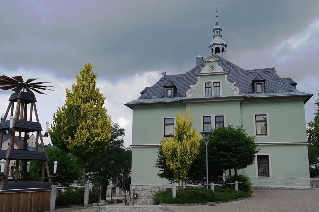 Das Rathaus in Schönheide.