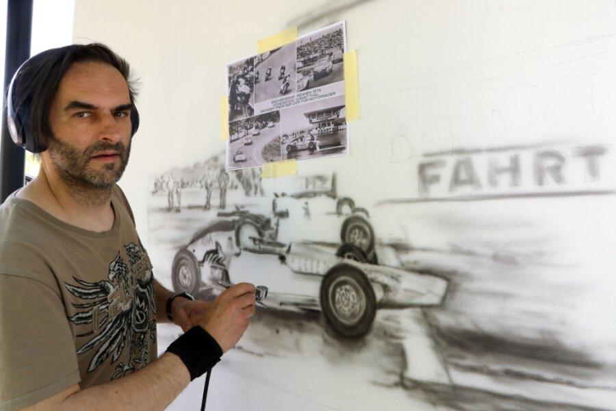 Sachsenring-Motive zwischen zwei Glauchauer Autobahnanschlussstellen