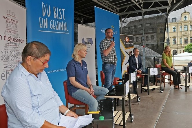 Die Zwickauer OB-Kandidaten auf der Bühne: Ute Brückner (Die Linke), Kathrin Köhler (CDU), Michael Jakob (parteilos), Andreas Gerold (AfD) und Constance Arndt (Bürger für Zwickau).