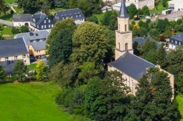 Der Hügel links von der Kirche kommt als Standort nicht mehr infrage.