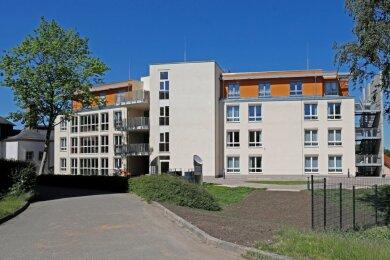 Blick auf die Südansicht des Neubaus des Altenpflegeheims Wettiner Straße in Glauchau.