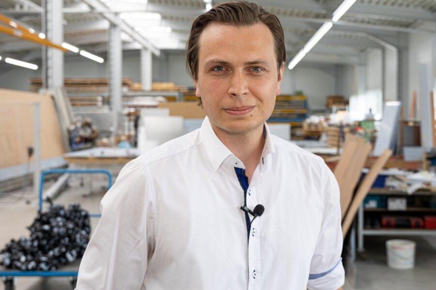 AfD-Bundestagskandidat Mathias Weiser im Familienbetrieb Weiser Fassadentechnik Schleiz.